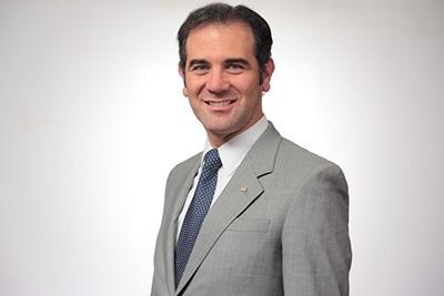 Lorenzo Córdova participa en foro de educación e innovación en Argentina