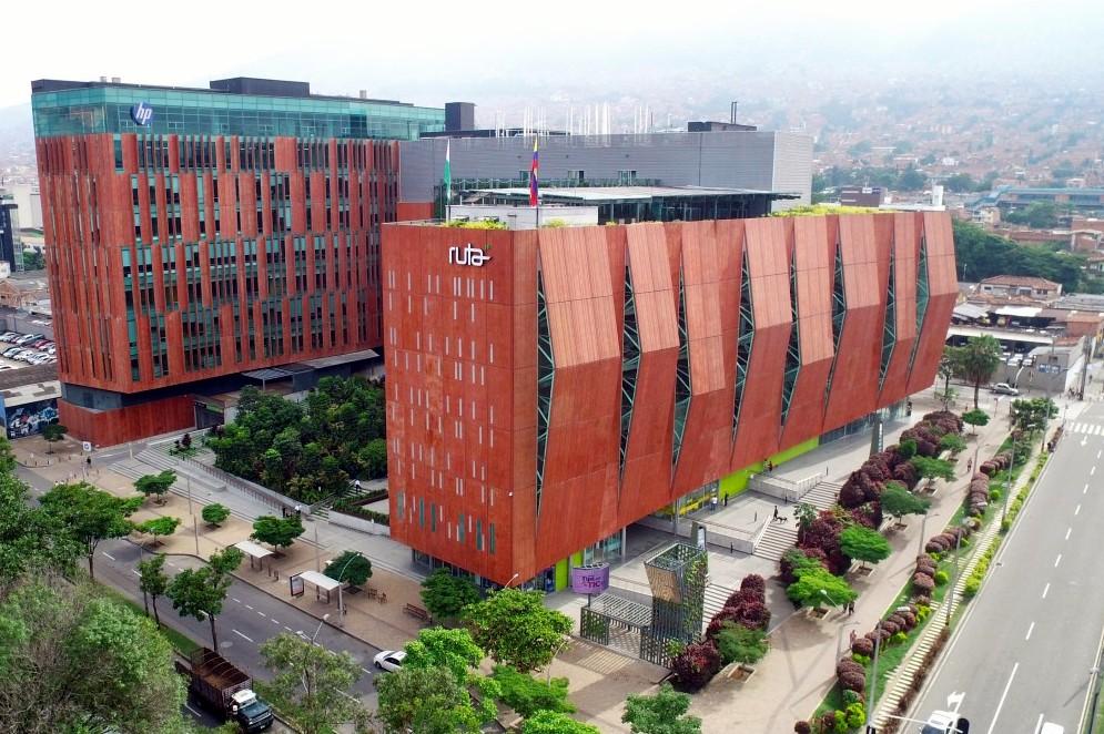 Medellín abre las puertas del primer Centro para la Cuarta Revolución Industrial en Latinoamérica