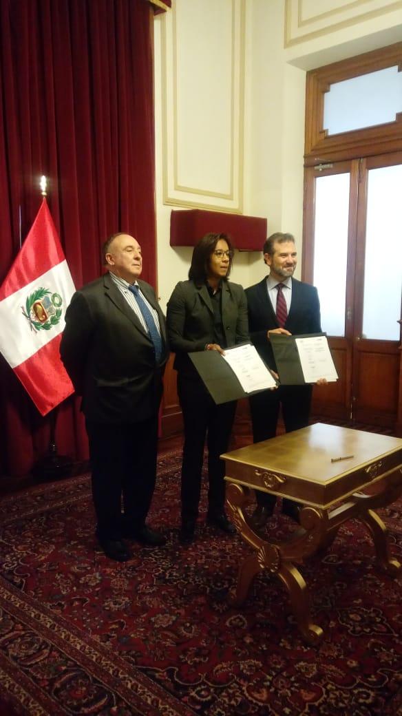 México y Perú impulsan cultura democrática y educación cívica