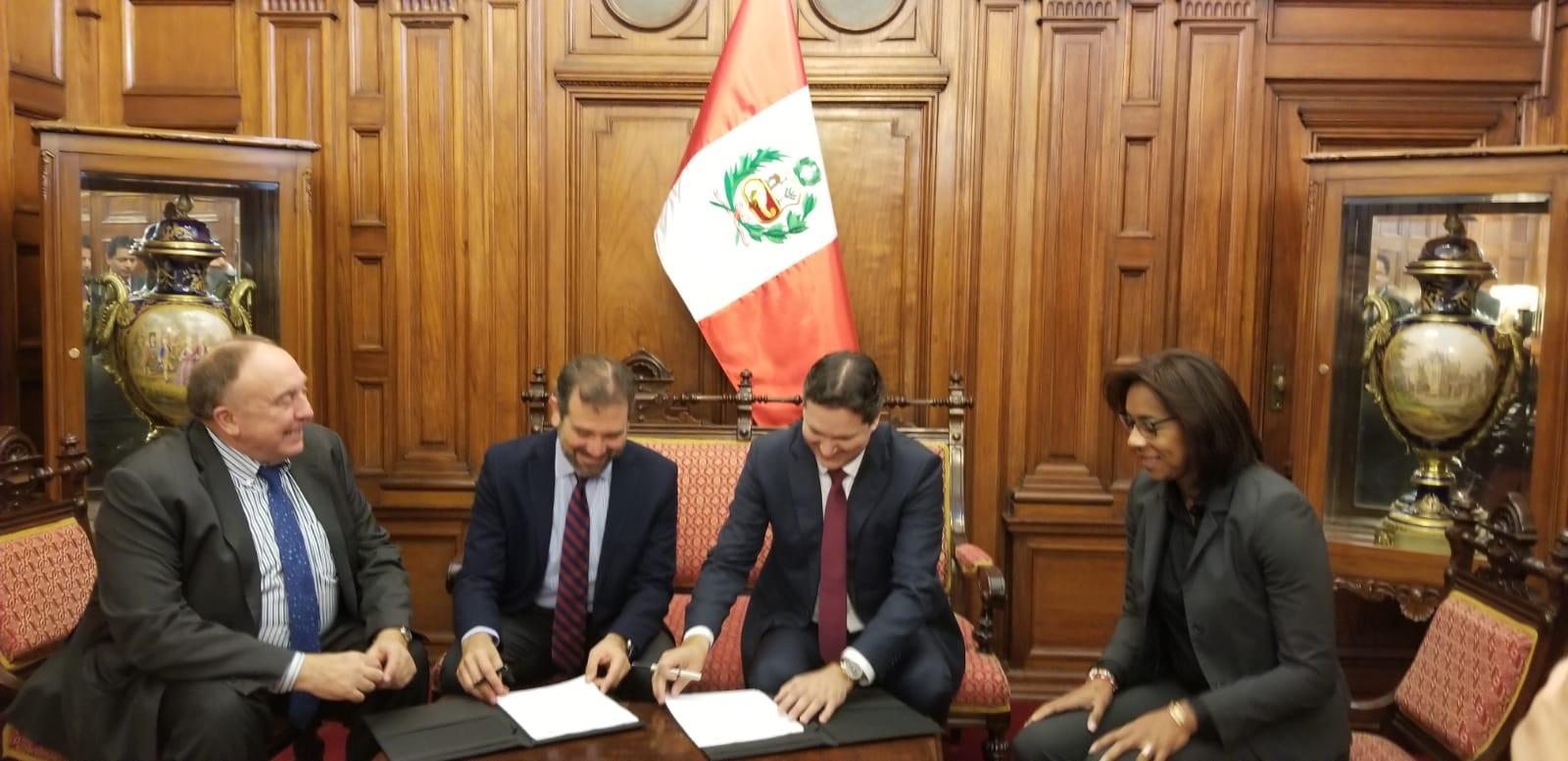El Congreso del Perú y el Instituto Nacional Electoral de México firman convenio para desarrollar conjuntamente la iniciativa ENCCIVICA