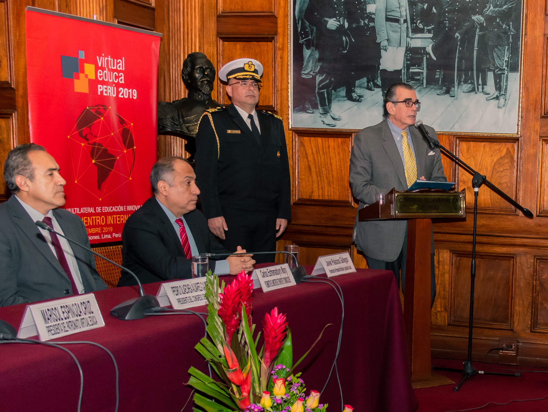 Reforzar la Educación básica peruana es reto de las TIC