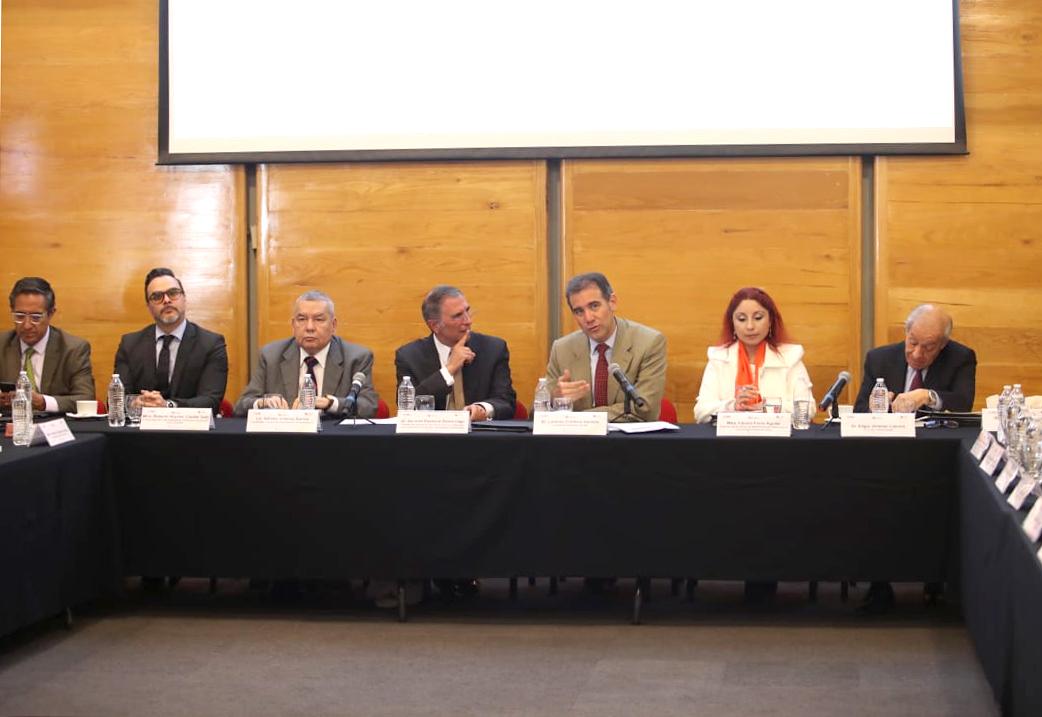 Seminario sobre fortalecimiento democrático y presentación de la Escuela de la Buena Política