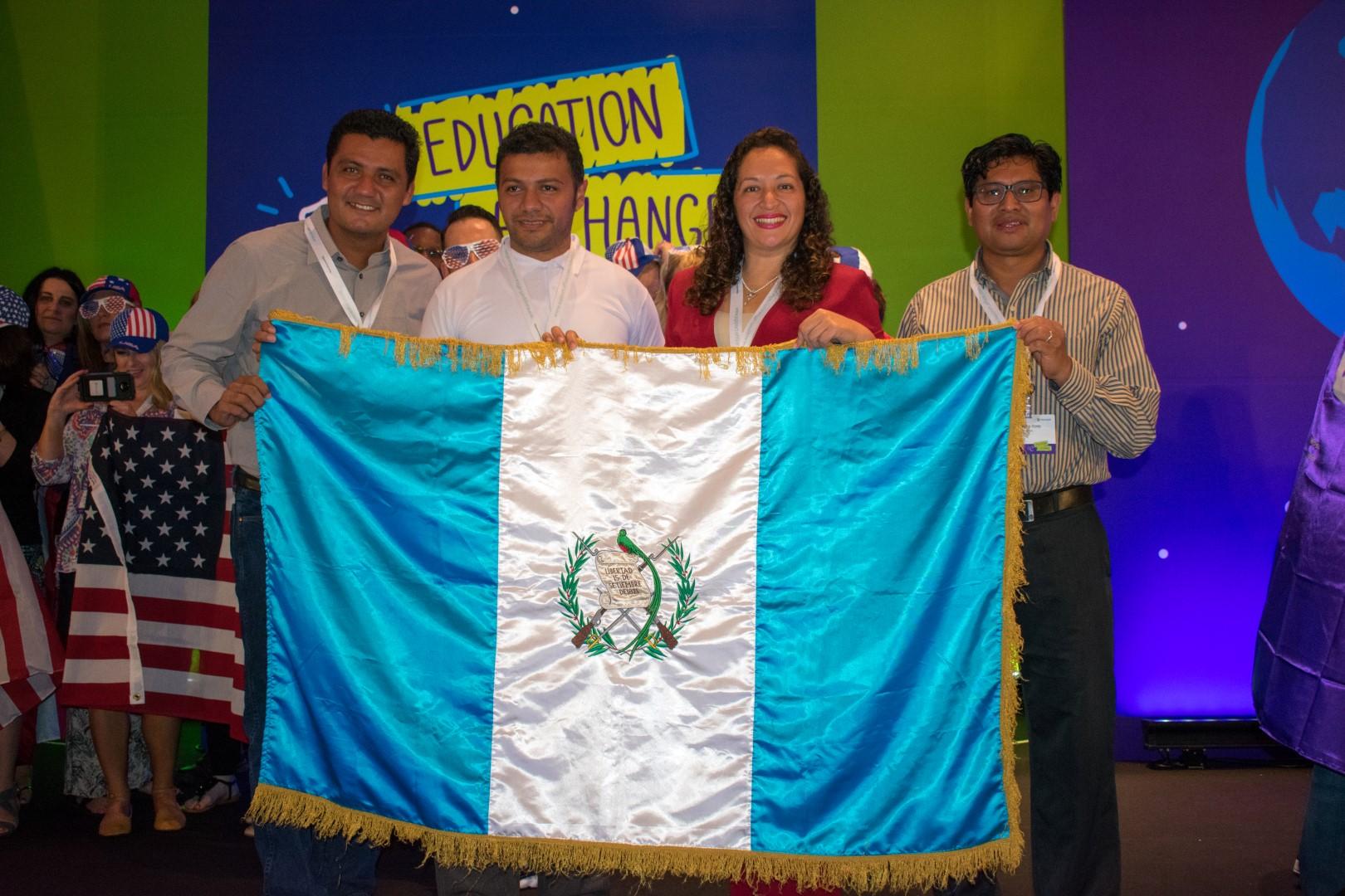 En medio de la pandemia, el Colegio Centroamericano …
